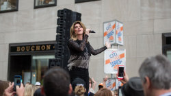 Shania Twain performs 'Man I Feel Like a Woman' live on TODAY