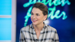 'Younger' star Sutton Foster on fourth season (and adopting a baby)