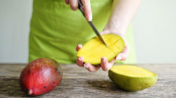 A Better Way to Cut a Mango