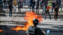 Tears Gas, Molotov Cocktails Rain Down in Caracas Protest