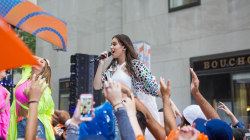 See Hailee Steinfeld perform 'Love Myself' live on TODAY