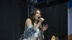 Hailee Steinfeld sings 'Most Girls' live on the TODAY plaza