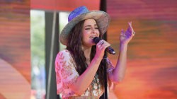 See 'The Voice' winner Alisan Porter sing new single 'Change' live on TODAY