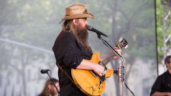 See Chris Stapleton sing 'Tennessee Whiskey' live on TODAY
