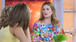 'SNL' alum Ana Gasteyer talks about Season 2 of comedy 'People of Earth'