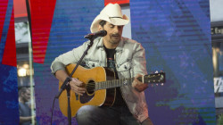Brad Paisley sings 'Last Time for Everything' live on TODAY