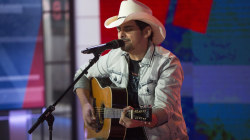 Watch Brad Paisley sing 'Mud on the Tires' live in the TODAY studio