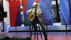 See Brad Paisley sing his hit 'Today' live in the TODAY studio