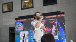 Brett Eldredge performs 'Drunk on Your Love' live on TODAY