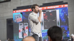 Brett Eldredge sings 'Somethin' I'm Good At' live on TODAY