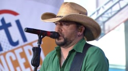See Jason Aldean sing 'Any Ol' Barstool' live on the TODAY plaza