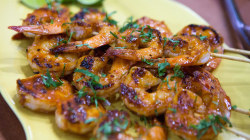 Honey sriracha shrimp: Learn how easy it is to grill it and chill it