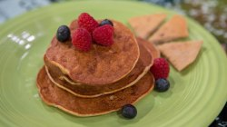 Banana-cheese pancakes and other smart back-to-school breakfasts