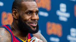 LeBron: Don't Let Trump Use Sport to Divide Us