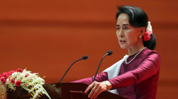 Suu Kyi 'Concerned' at Rohingya Exodus But Wants 'Solid Evidence' of Violence