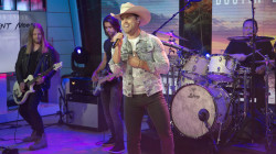 See country star Dustin Lynch perform 'Small Town Boy' live on TODAY