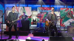 See Stereophonics perform their new single 'Caught By The Wind' live on TODAY