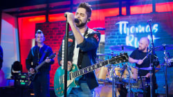 See Thomas Rhett sing his hit 'Craving You' live on TODAY