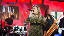 See Kelly Clarkson perform new single 'Love So Soft' live on TODAY