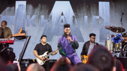 See Khalid perform '8TEEN' live on the TODAY plaza