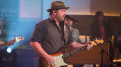 Watch country singer Lee Brice perform his new single 'Rumor' live on Megyn Kelly TODAY