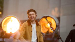 Watch Niall Horan rock the TODAY stage with his new song  'Flicker'