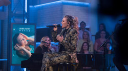 Watch Rachel Platten perform her song 'Broken Glass' on Megyn Kelly TODAY