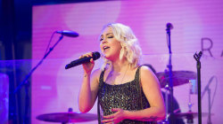 Country singer RaeLynn performs 'Lonely Call' on TODAY