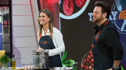 TODAY's Savannah Guthrie gets a pasta cooking lesson from chef Scott Conant