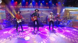 See country stars Midland perform 'Make a Little' live on TODAY