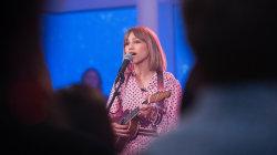 Watch 'AGT' winner Grace VanderWaal sing live on Megyn Kelly TODAY