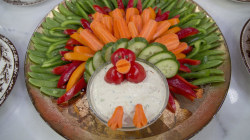 Chocolate turkey centerpiece and other ideas for your Thanksgiving table
