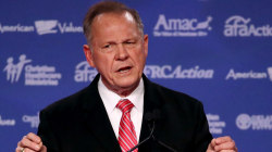Alabama governor announces support for Roy Moore despite allegations