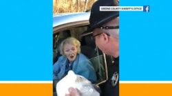 Officers in Miami give out turkeys instead of tickets