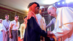Pope Francis uses the word 'Rohingya' while meeting refugees