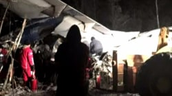 All 25 aboard plane survive crash in Canada