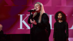 See Kelly Clarkson perform 'I Don't Think About You' live on TODAY