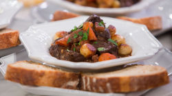 Chef Curtis Stone makes beef bourguignon