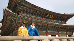 Craig Melvin and Al Roker visit Seoul, Korea and have some fun