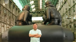 China's dissident artist Ai Weiwei highlights plight of refugees