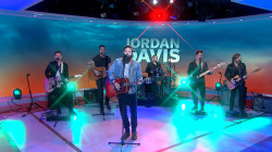 Watch Jordan Davis perform 'Singles You Up' live in the TODAY studio