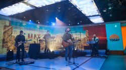 See Mat Kearney perform 'Kings and Queens' live on TODAY