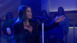 Toni Braxton performs live on Megyn Kelly TODAY