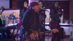 Watch Little Steven and the Disciples of Soul perform 'Love On The Wrong Side Of Town' on TODAY