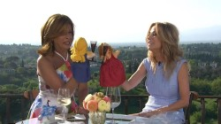Kathie Lee Gifford and Hoda Kotb hit Florence, play with their own Italian-made puppets