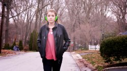 This teen girl's hearing disorder makes every sound painful for her