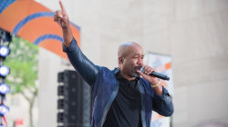 Watch Darius Rucker sing 'For the First Time' live on TODAY