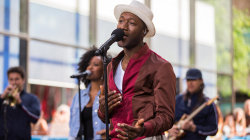 Aloe Blacc brings 'Brooklyn In the Summer' to the TODAY stage