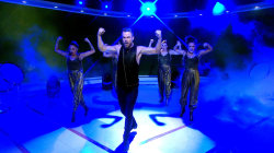 See a live preview of Derek Hough's new live dance show