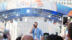Watch Dierks Bentley perform new song 'Living' live on TODAY
